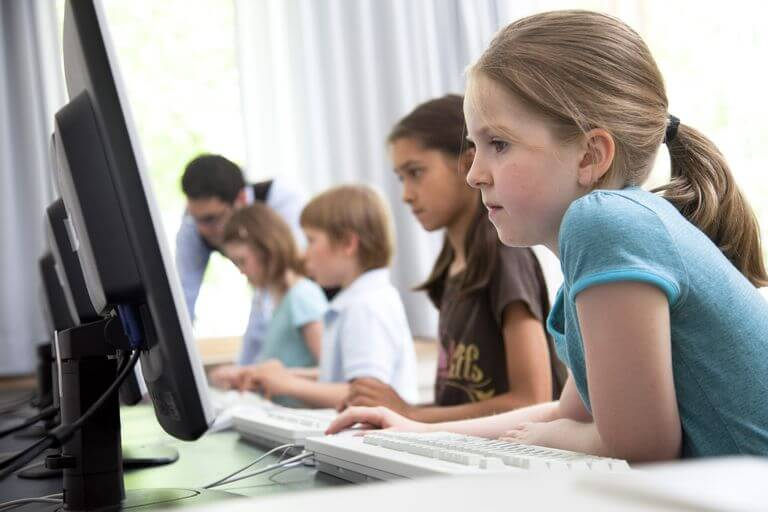 تعليم البرمجة للأطفال : 6 خطوات لمساعدتك